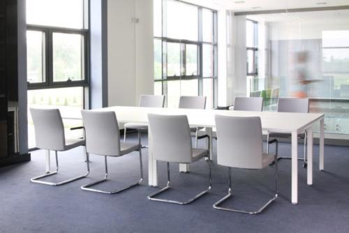 Krzesło konferencyjne Mate 03