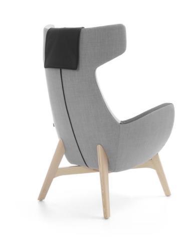 Kanapy i fotele Um 18