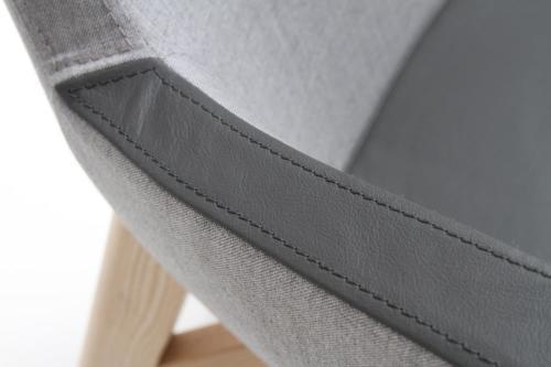 Kanapy i fotele Um 30
